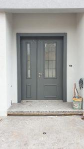 דלת כניסה כנף וחצי